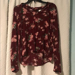 Flowered shirt, with strings to tie it together
